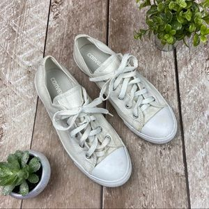 Converse | Low Top White Shimmer Metallic Sneakers